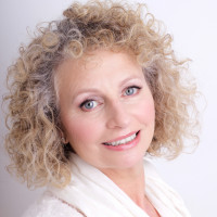 Julie Hitchings - Nutritionist in Cornwall